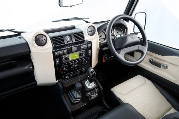 Land-Rover-inner-view.jpg